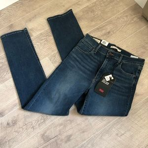 Levi's 724 high rise straight jean size 29